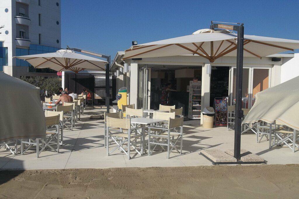 Hotel con Bar in Spiaggia