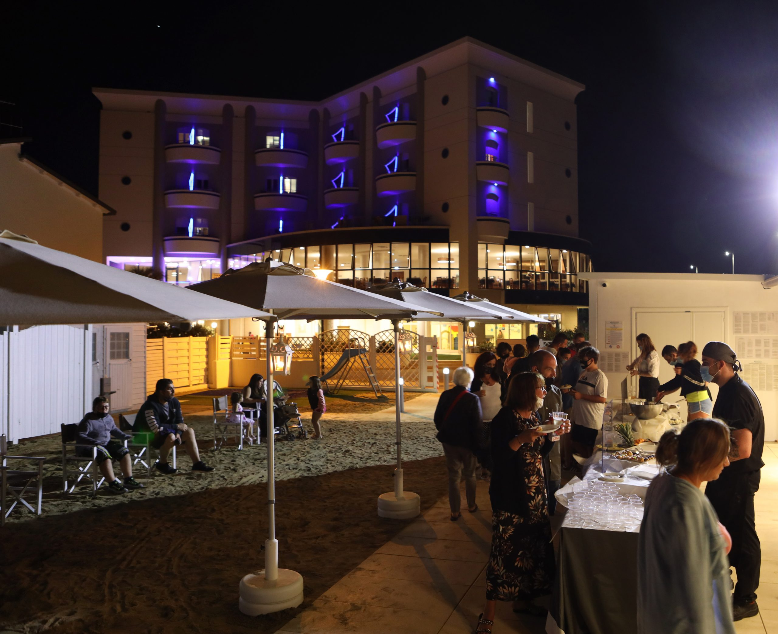 Hotel con buffet in Spiaggia